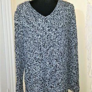 Ultra Cozy Black and White V-Neck Sweater 22/24